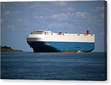 Mv Marvelous Ace Inbound Port Of Baltimore Canvas Print by Wayne Higgs