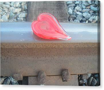 My Hearts On The Right Track Canvas Print by WaLdEmAr BoRrErO