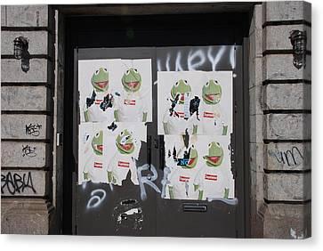 N Y C Kermit Canvas Print by Rob Hans