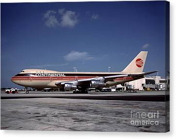 N17011, Continental Airlines, Boeing 747-143 Canvas Print