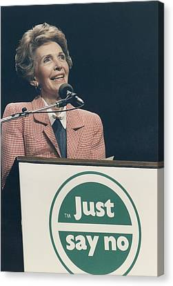 Nancy Reagan Speaking At A Just Say No Canvas Print