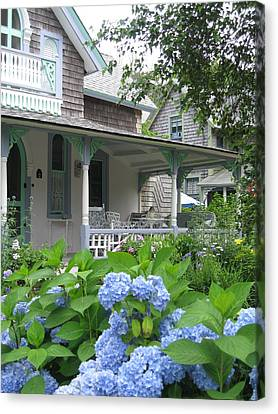 Nantucket Cottage Canvas Print