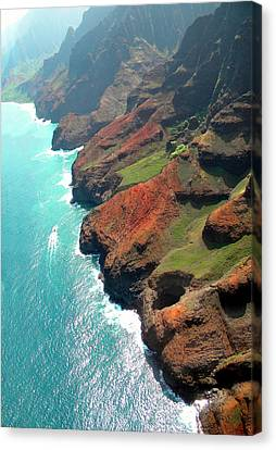 Napali Coast Of Kauai Canvas Print by Frank Wilson