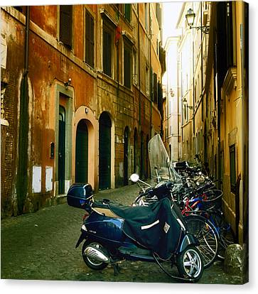 narrow streets in Rome Canvas Print by Joana Kruse