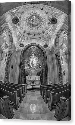 National Shrine Of The Immaculate Conception Chapel Bw Canvas Print by Susan Candelario