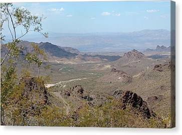 Near Oatman Canvas Print by Gordon Beck