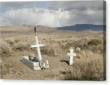 Nevada Grave Canvas Print by Suzanne Lorenz