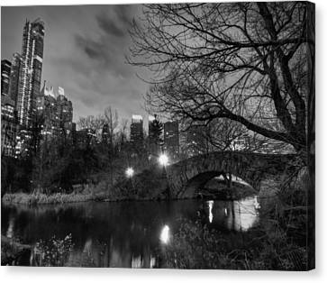 New York - Central Park 006 Bw Canvas Print by Lance Vaughn