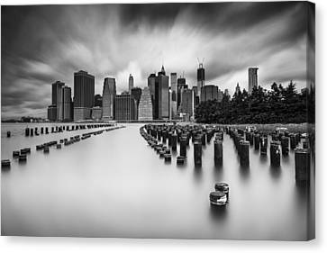 New York City In Black And White Canvas Print