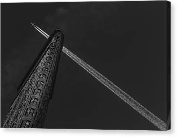 New York - Flatiron Crossing Canvas Print by Michael Jurek