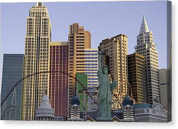 New York New York 05 Canvas Print by Keith Mucha