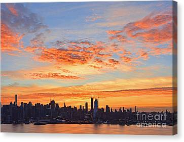 New York Skyline Sunrise Clouds And Color Canvas Print