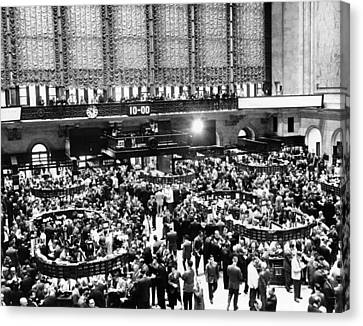 New York Stock Exchange During Heavy Canvas Print by Everett