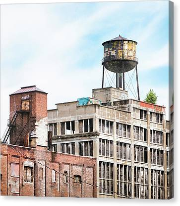 New York Water Towers 18 - Greenpoint Water Tower Canvas Print by Gary Heller