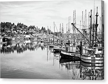 Newport Oregon Harbor - Bw Canvas Print