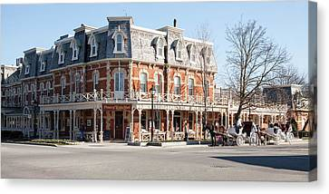Niagara On The Lake Canvas Print by Peter Handy