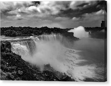 Canvas Print featuring the photograph Niagra Falls by Jason Moynihan