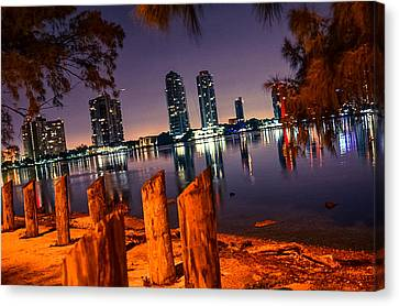 Night Clam And Clear Moment Canvas Print by Eduardo Olivera