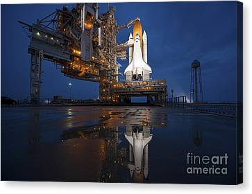 Night View Of Space Shuttle Atlantis Canvas Print by Stocktrek Images