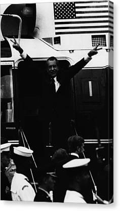 Nixon Presidency.   Former Us President Canvas Print by Everett