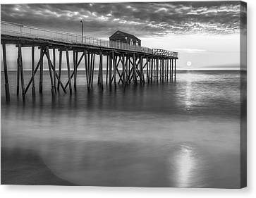 Fishing Canvas Print - Nj Shore Pier Sunrise Bw by Susan Candelario