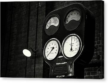Canvas Print featuring the photograph No Pressure by Tim Nichols