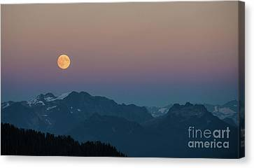 North Cascades Full Moonrise Canvas Print by Mike Reid
