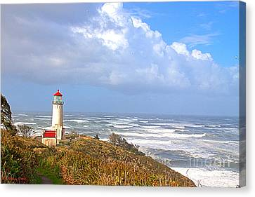 North Head Lighthouse Canvas Print by Larry Keahey