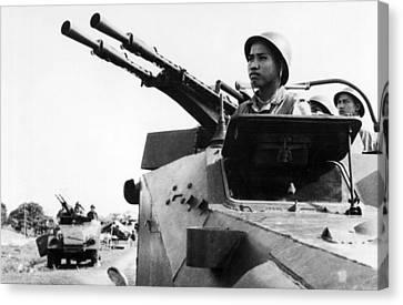 North Vietnamese Gun Crew Canvas Print by Underwood Archives
