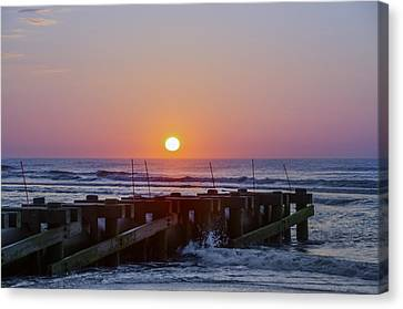 North Wildwood At Sunrise Canvas Print by Bill Cannon