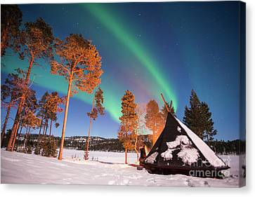 Canvas Print featuring the photograph Northern Lights By The Lake by Delphimages Photo Creations
