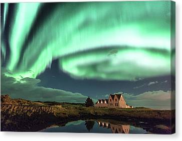 Northern Lights Canvas Print by Frodi Brinks