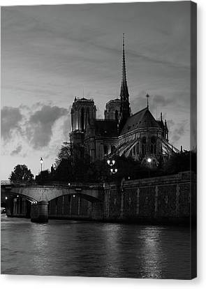Canvas Print featuring the photograph Notre Dame By Night by Richard Goodrich