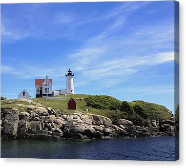Canvas Print featuring the photograph Nubble Light House by Linda Constant