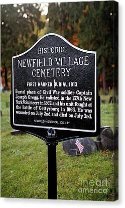 Ny-004 Historic Newfield Village Cemetery Canvas Print