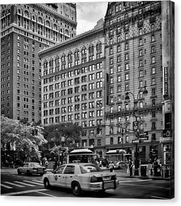 Nyc 6th Avenue Canvas Print by Melanie Viola