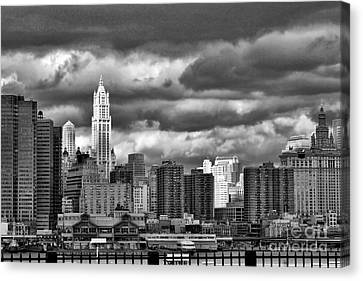 Nyc Blk N Wht  Canvas Print by Chuck Kuhn