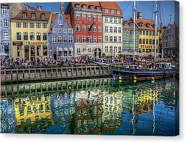 Nyhavn Harbor Area, Copenhagen Canvas Print