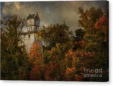 Oakhurst Water Tower Canvas Print
