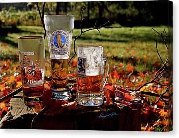 Oktoberfest Ist Wunderbar Canvas Print by Hanne Lore Koehler