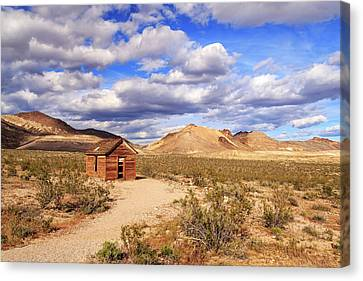 Canvas Print featuring the photograph Old Cabin At Rhyolite by James Eddy