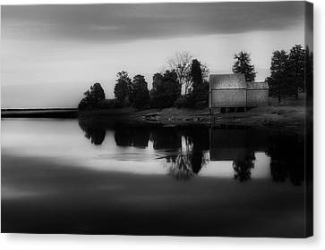 Canvas Print featuring the photograph Old Cape Cod by Bill Wakeley