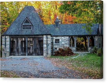 Old Carriage House 1 Canvas Print by Terry Davis