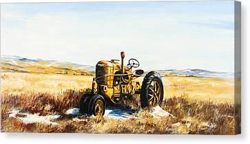 Old Case Tractor Canvas Print by Gary Wynn
