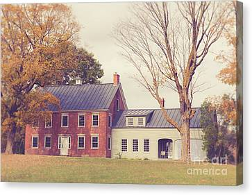 Old Colonial Farm House Vermont Canvas Print by Edward Fielding