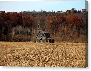 Old Country Barn In Autumn #1 Canvas Print by Jeff Severson