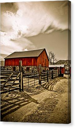Old Country Farm Canvas Print by Marilyn Hunt