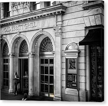 Canvas Print featuring the photograph Old Ebbitt Grill In Black And White by Chrystal Mimbs