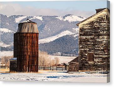 Old Farm Buildings Canvas Print by Sue Smith