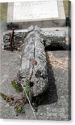 Canvas Print featuring the photograph Old Graveyard Cross by Yurix Sardinelly